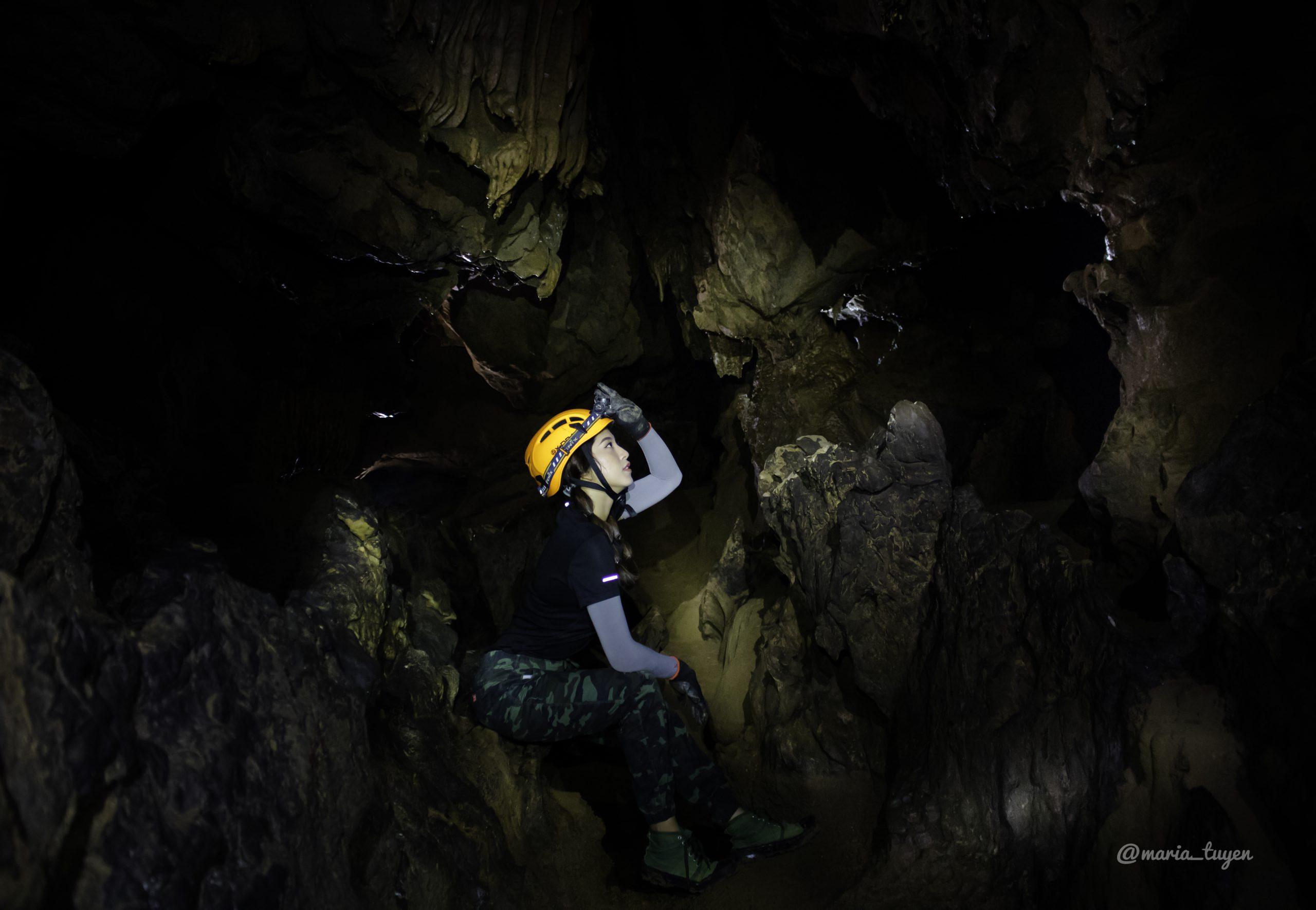 Khám phá hang động Chà Lòi Quảng Bình